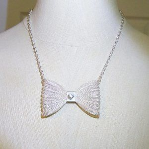 NYC Boutique Chain Bow Necklace